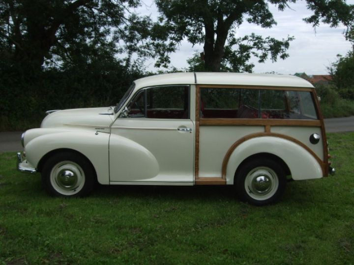 Old English White Traveller with Cherokee Red Interior Trim
