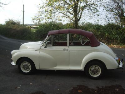 genuine_old_english_white_convertible_with_red_tri