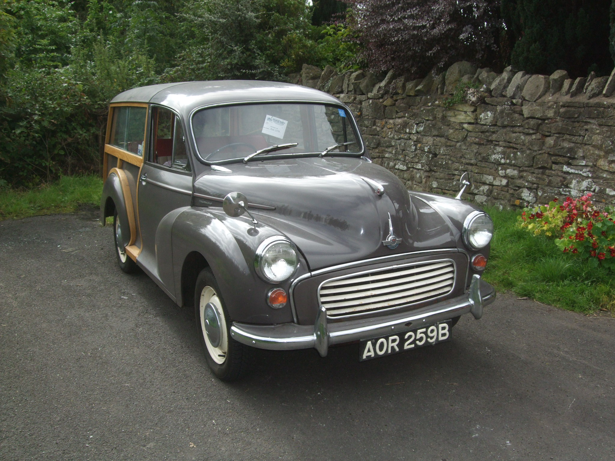 Morris minor traveller for sale - 1964 Rose Taupe Traveller With Red Duo Tone Interior Trim