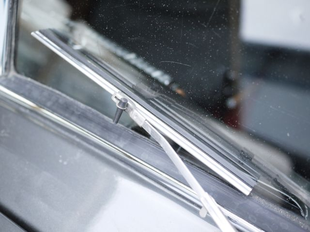 Split Screen Early Wiper Blade